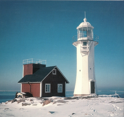 tiitinen-square-lighthouse