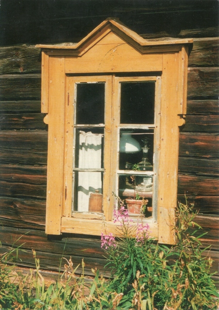 finnish-window_R00sa