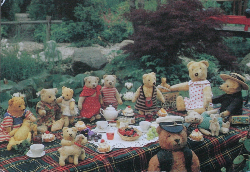 Teddy-bears - postcrossers' meeting, from Bookoholic