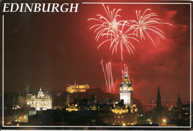 festival-fireworks-in-edinburgh