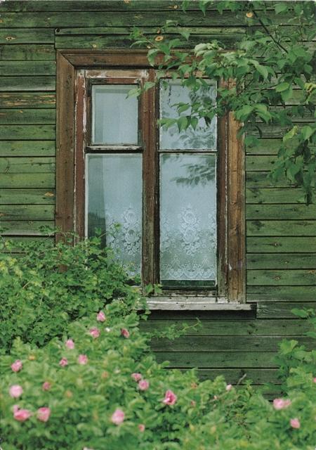 finnish-window-from-roosa